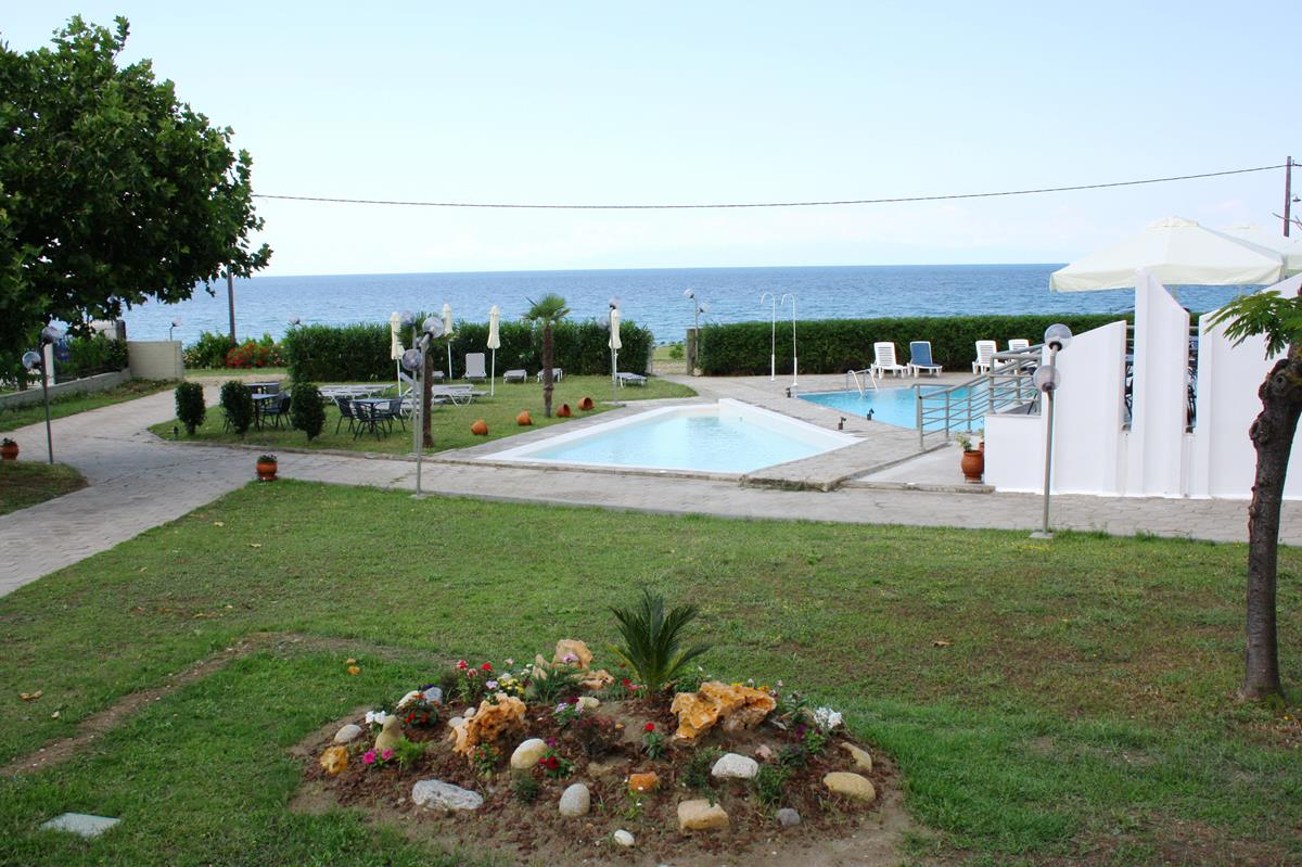 halkidiki hotels - Skion Palace Beach Hotel