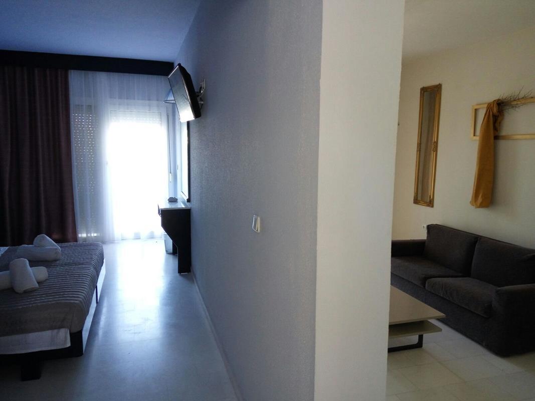 halkidiki accommodation- Skion Palace Beach Hotel